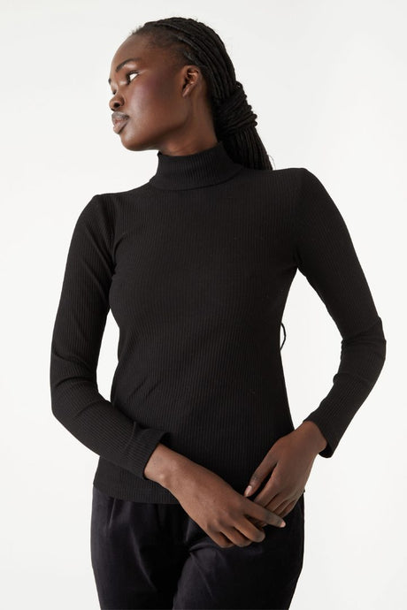Kuwaii - Rib Turtleneck - Black