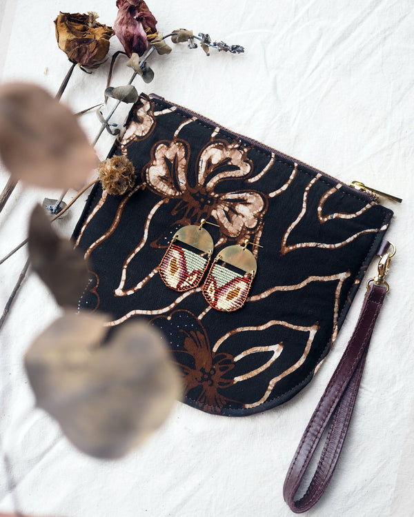 Bethari Wristlet + Galia Jewelry Set