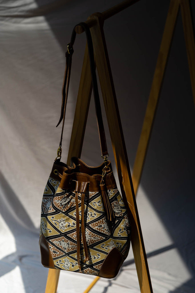 Bucket Bag | Jendela