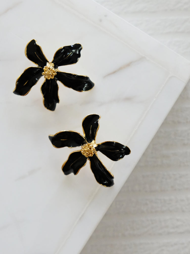 Heyjow x Estee Lauder - Jasmine Earrings in Black