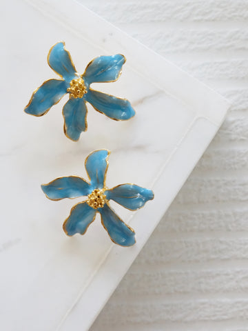 Heyjow x Estee Lauder - Jasmine Earrings in Sky Blue