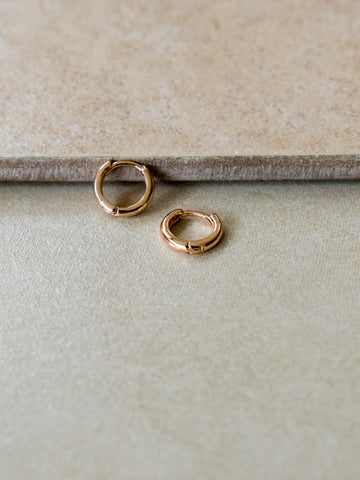V Holiday - Vanna Earrings (Rose Gold)