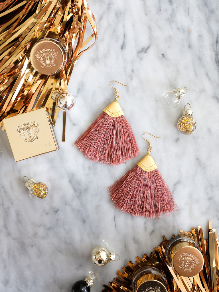 Bobbi Brown - Cabana Earrings in Dark Mauve
