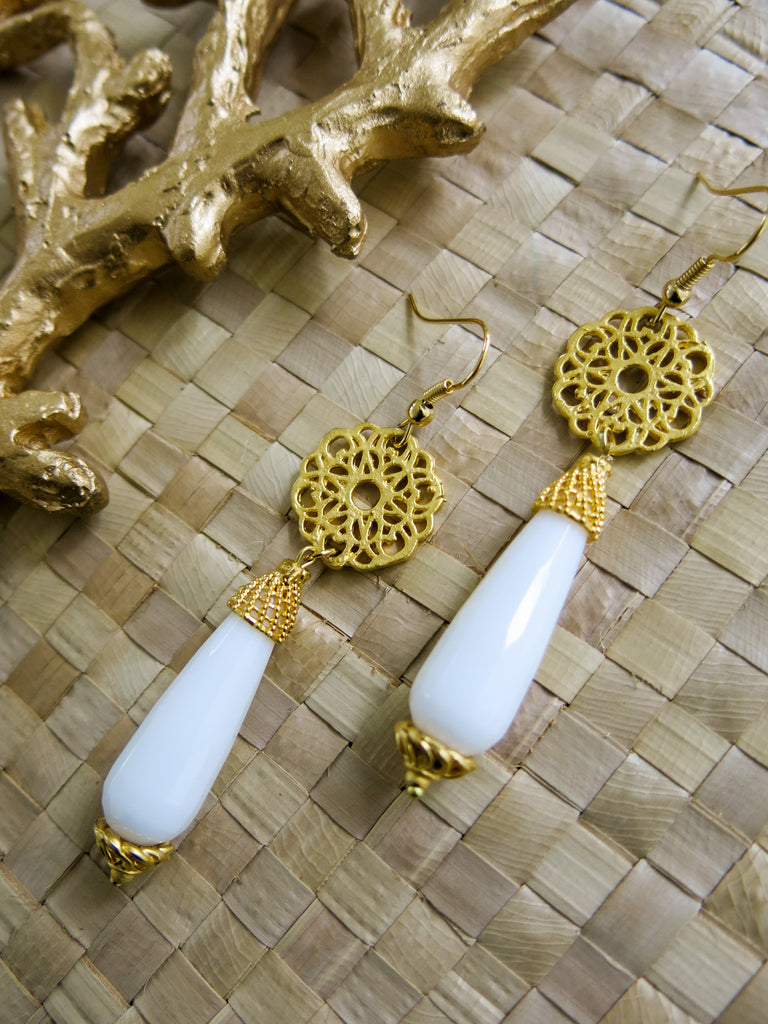 Aloha White - Mist Earrings