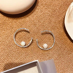 Jewelry Store - Pearls On Crystal Earrings