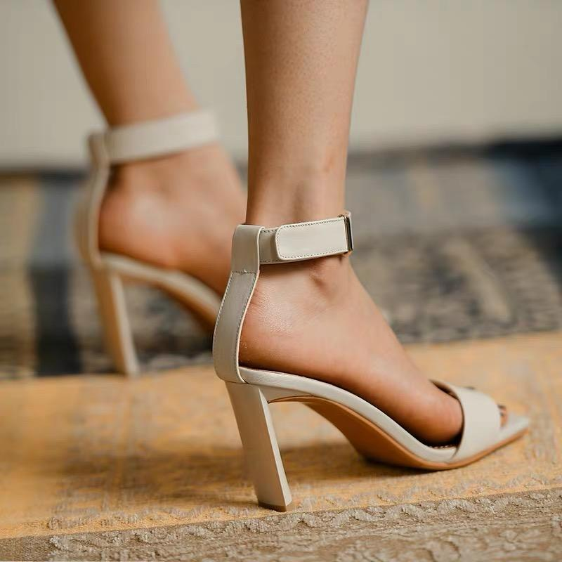 Shoes - Classic Design Cowhide Heeled Sandals In White