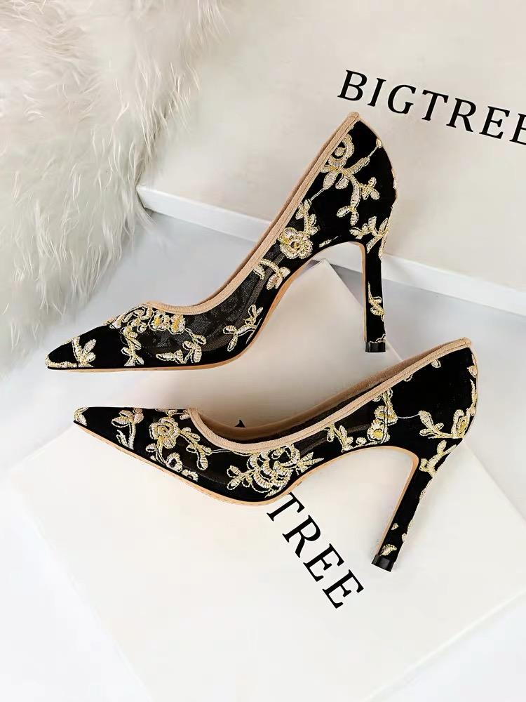 Shoes - Embroidered Lace Heeled Shoes
