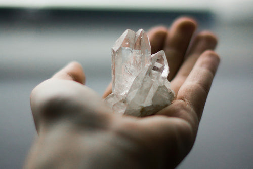 Crystal Meaning & Healing Properties: Clear Quartz