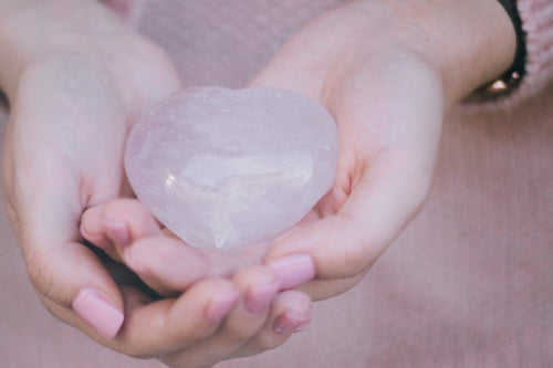 Crystal Meaning & Healing Properties: Rose Quartz