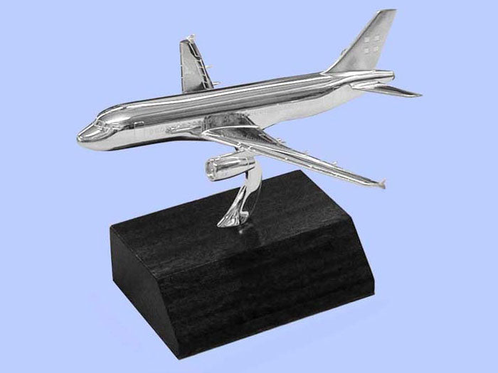 Silver Model of the Airbus A319