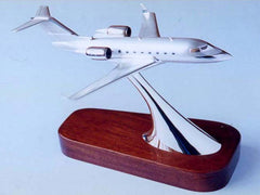 Silver Model of the Challenger 604