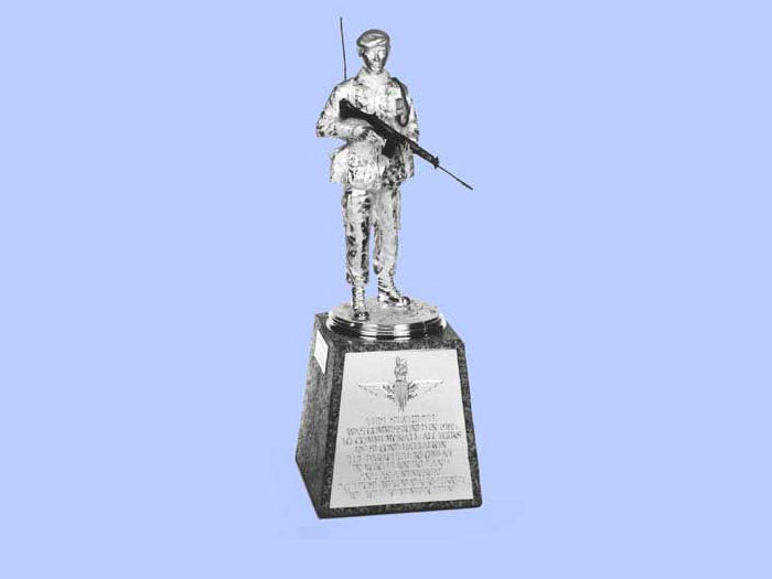 Silver Statuette of a REME Soldier in the Parachute Regiment