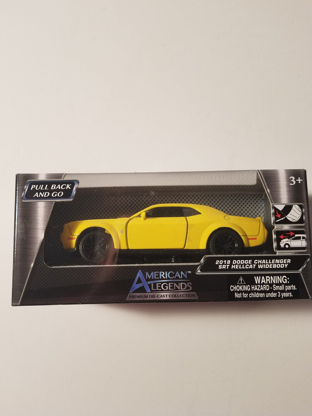 American Legends 2018 Yellow DODGE CHALLENGER SRT HELLCAT WIDEBODY 1/43 Scale