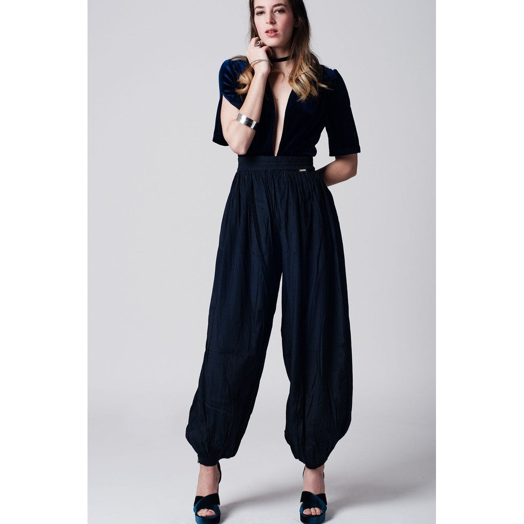 Navy blue pant with stretch waistband and cuffs