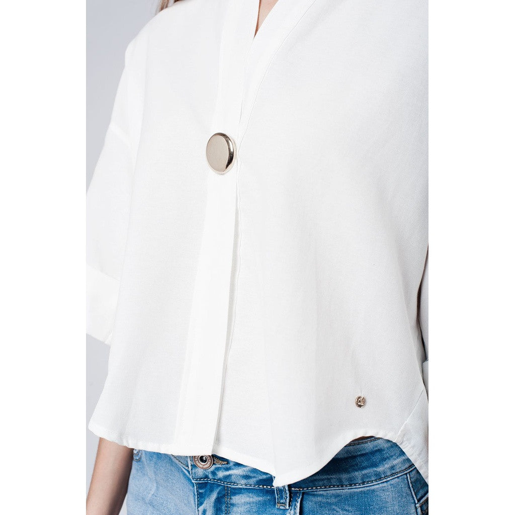 White cotton top with brooch