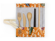 Load image into Gallery viewer, Set de couverts made in France ed. Batik 2020 ocre bambou baguette