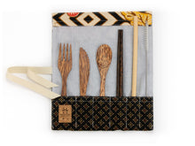 Load image into Gallery viewer, Set de couverts made in France ed. Batik 2020 feuille bois de cocotier baguettes