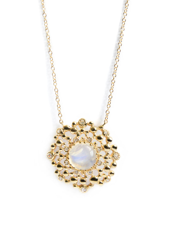 Dew Drop Coralia Medallion