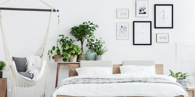 How to make a white bedroom cosy