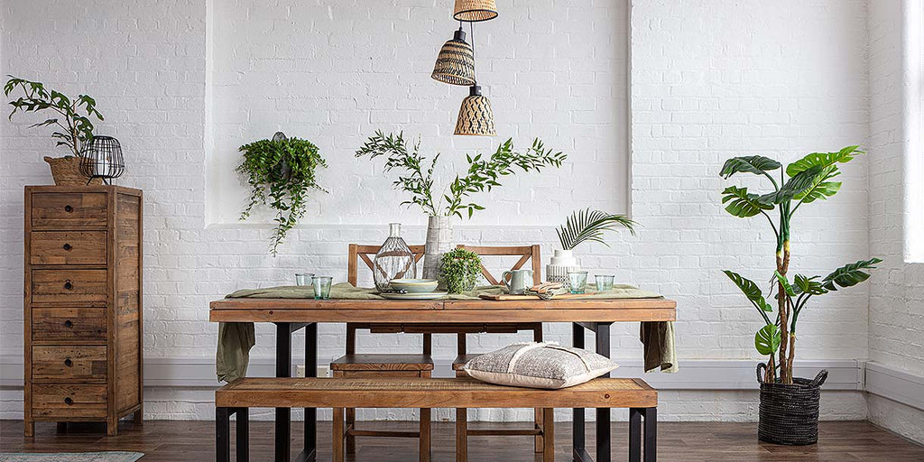 Bamboo Manta Triple Pendant Lights above dining table