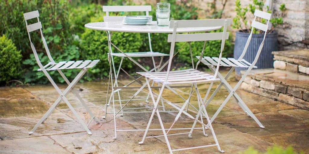 Garden Bistro Set with Round Table and 4 Chairs in Clay
