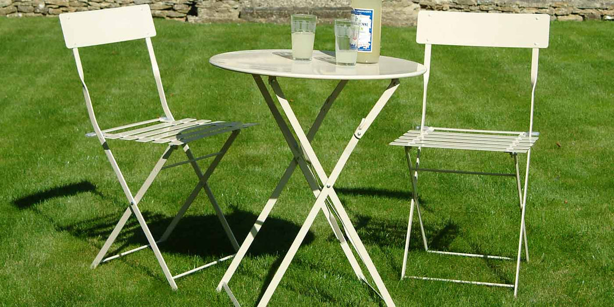 Small Round Table and Chairs Bistro Set in Clay