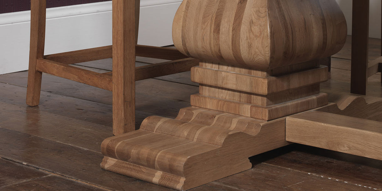Carson Oak Extending Table leg close up