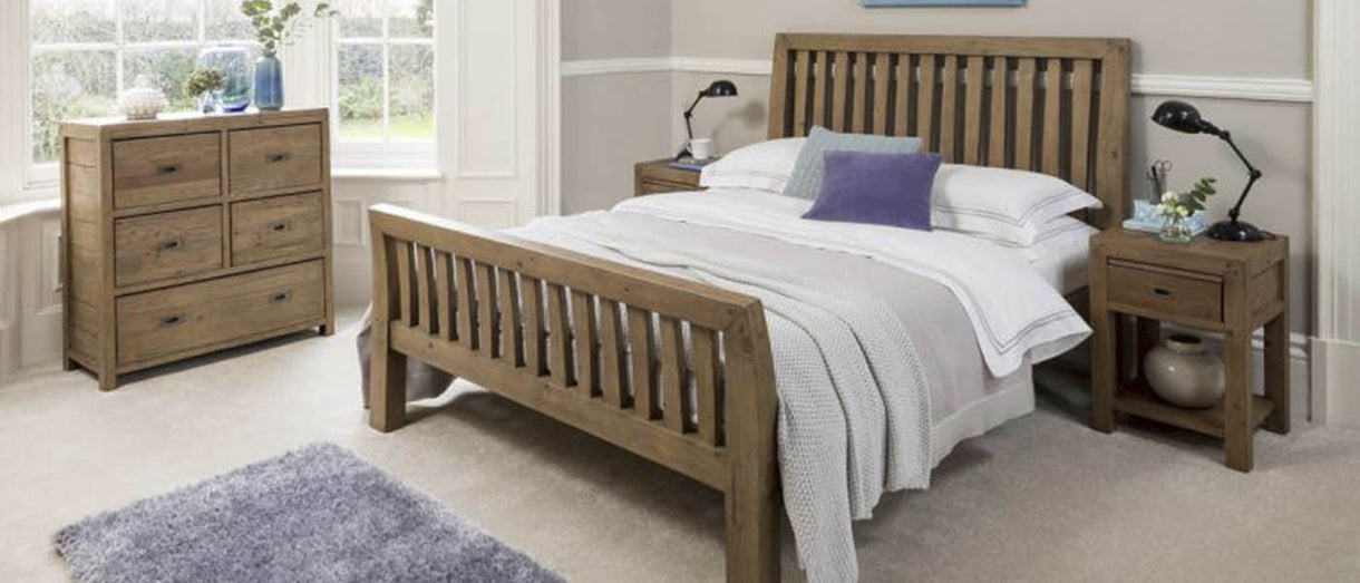Cotswold Reclaimed Wood Bed Lifestyle Photo