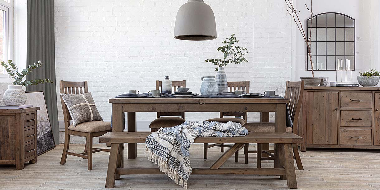 Farringdon Reclaimed Wood Dining Set with table and chairs