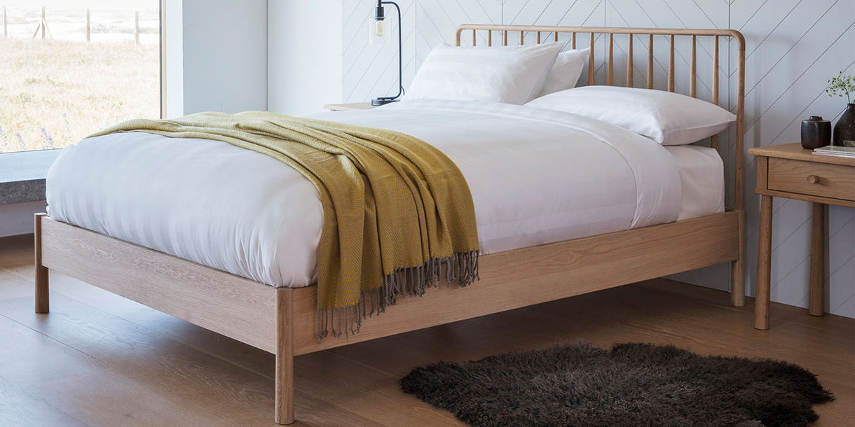 Hudson Living Wycombe Spindle Oak Bed