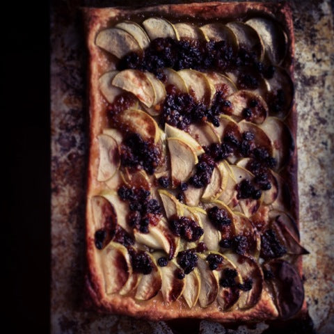 Sarah Moore, simplicity is good!  sheet of puff pastry, sliced dessert apples and a sprinkle of mincemeat