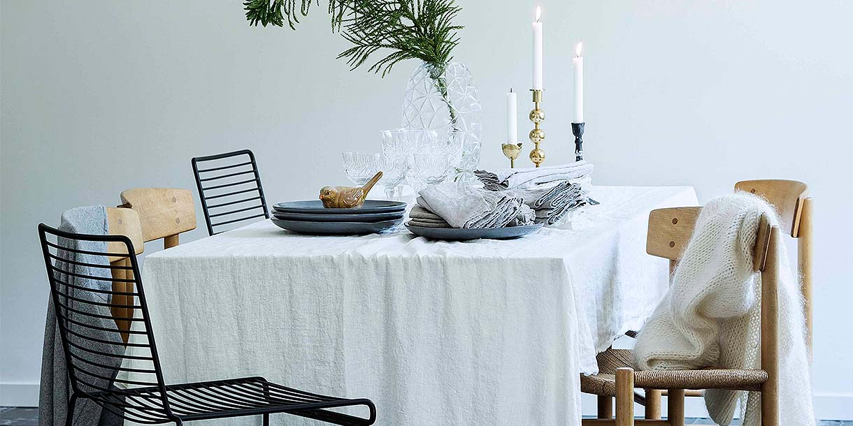 Lovely Linen Misty Cloud White Tablecloth