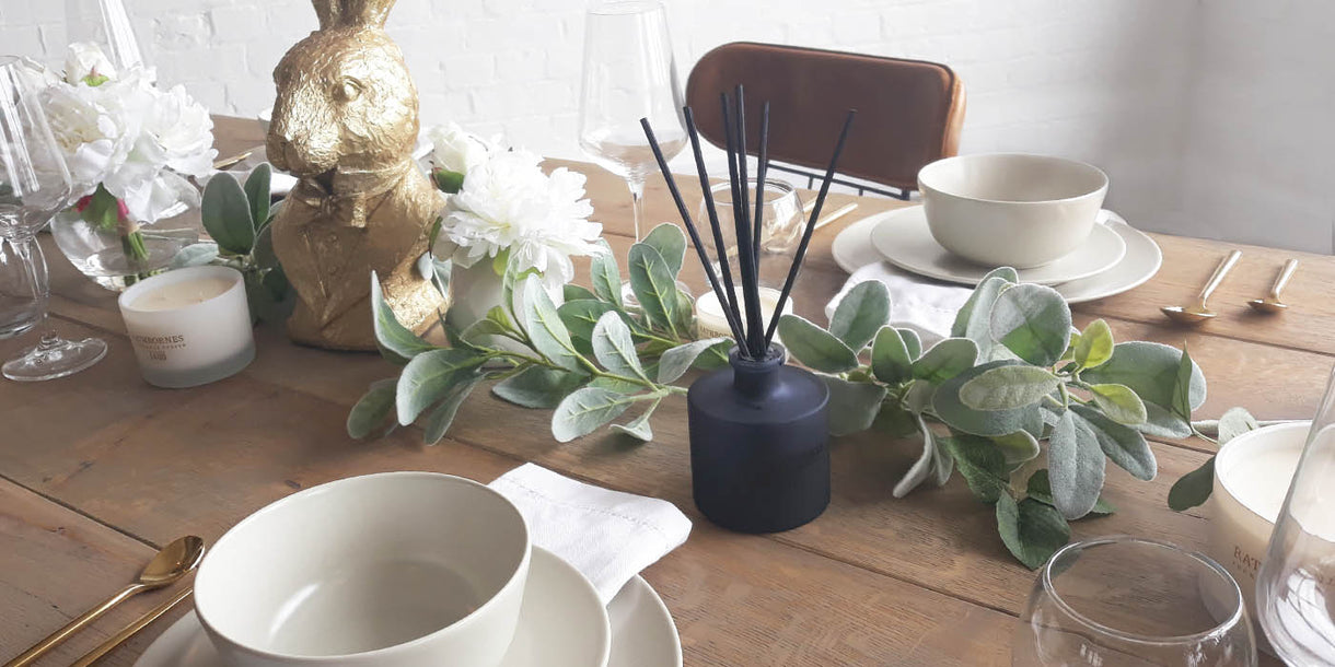 Rathbornes Dublin Dusk Reed Diffuser on Oak Dining Table