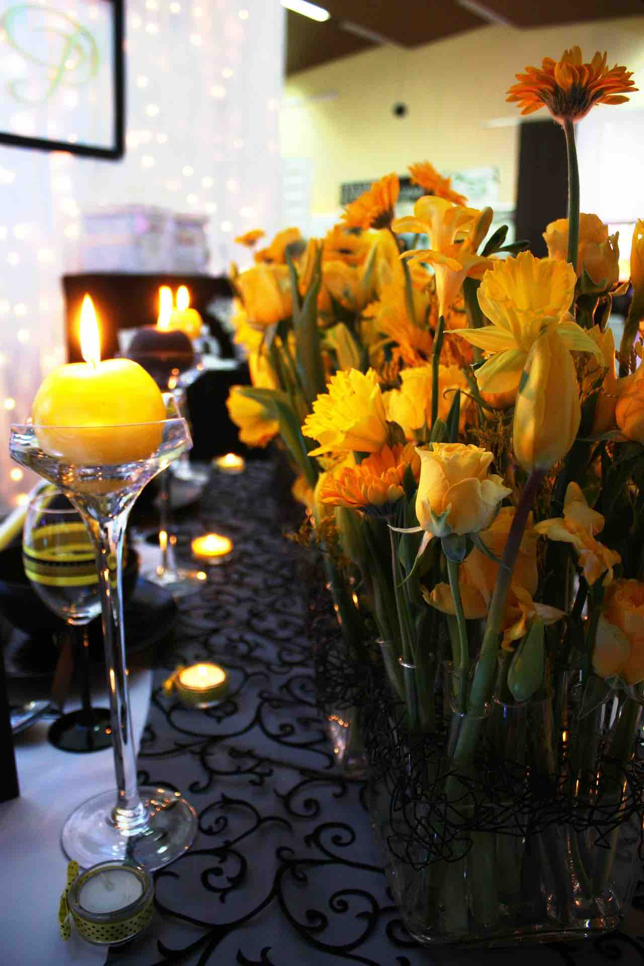 Easter Daffodils dinner party