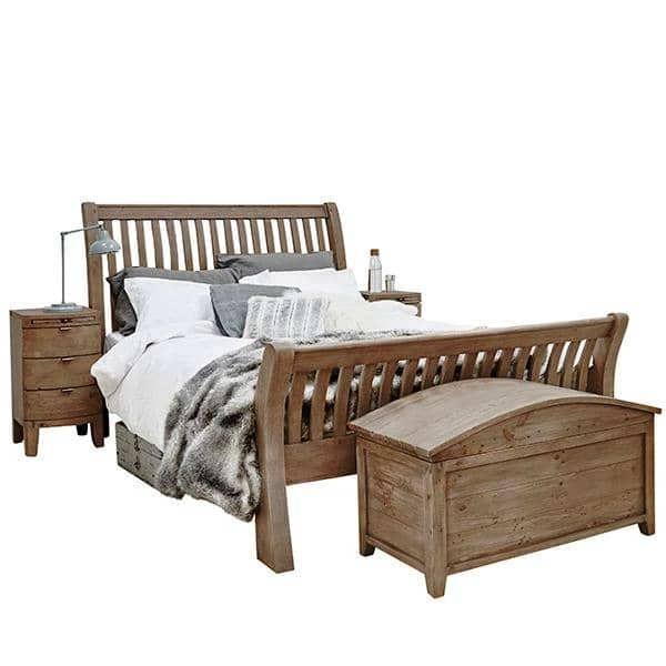 Winchester Rustic Wooden Bed and Blanket Box
