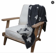 Load image into Gallery viewer, Cotton Cross Throw Black & Natural