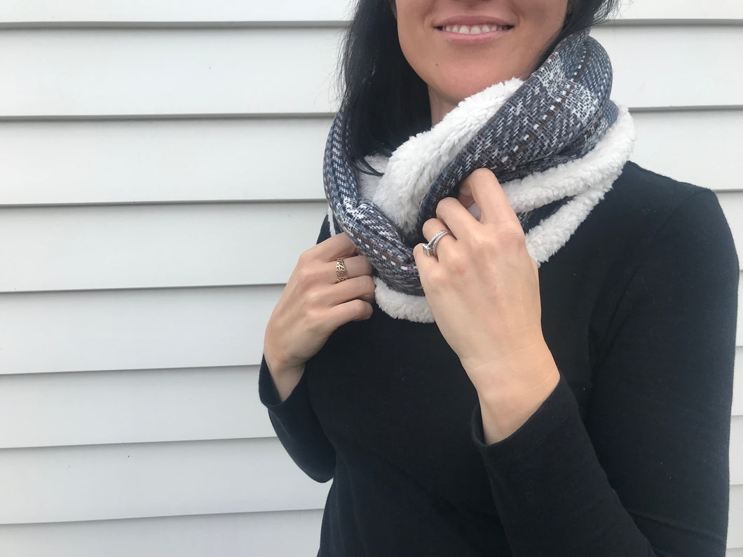 Loop Scarfs (2 Designs)