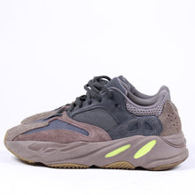 Load image into Gallery viewer, Adidas Yeezy 700 Mauve SZ 9.5