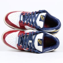 Load image into Gallery viewer, Nike Dunk Akron SZ 11