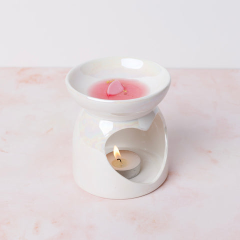 Wait for wax to melt and fill your room with gorgeous aromas