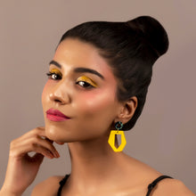 Load image into Gallery viewer, Irregular Sunshine Drop Earrings