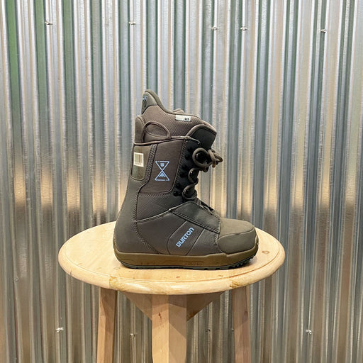Burton Progression LACE UP Snowboard Boot Women's - USED