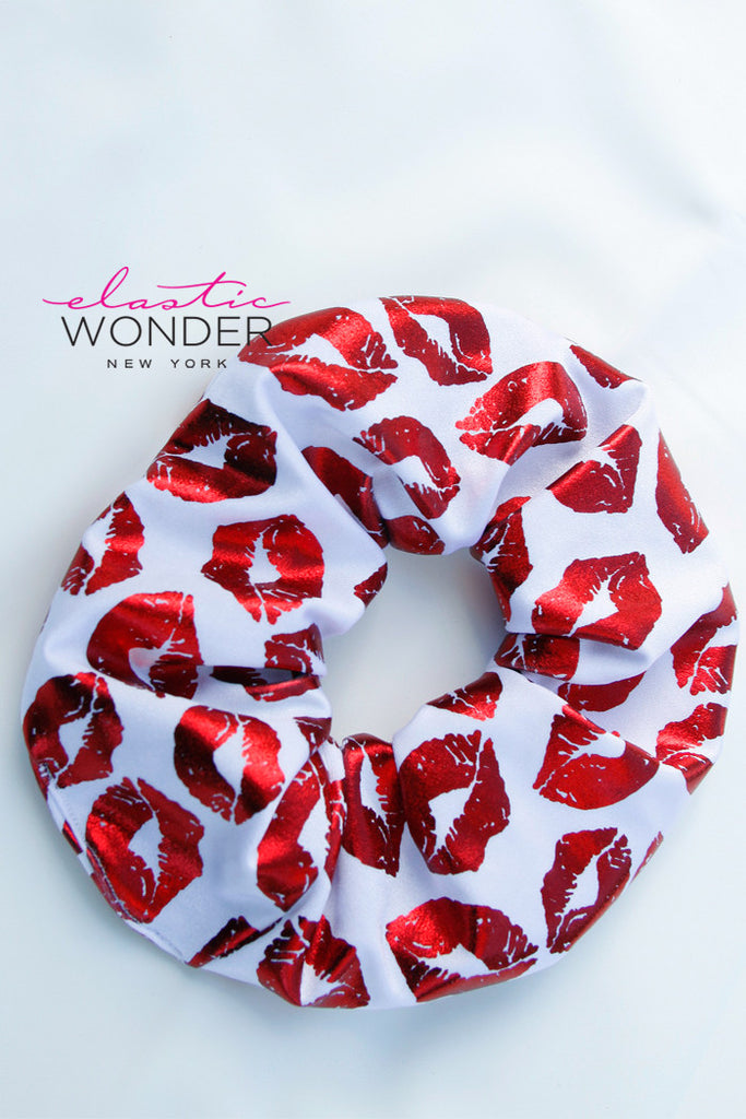 Scrunchie Retro 80s Hair Accessory Metallic Lips - Elastic Wonder