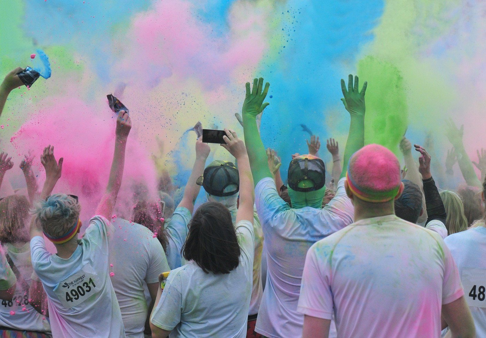 What to Wear to a Color Run- Electro Threads Blog