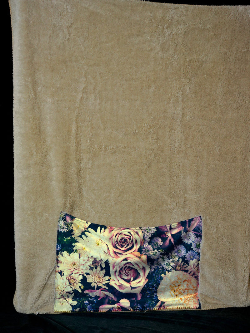 VINTAGE FLOWERS FOOTSIE BLANKET Footed Blanket Electro Threads