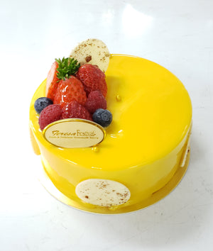 Yogurt & mango mousse cake