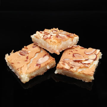 Gooey Almond Bars (6 pcs)