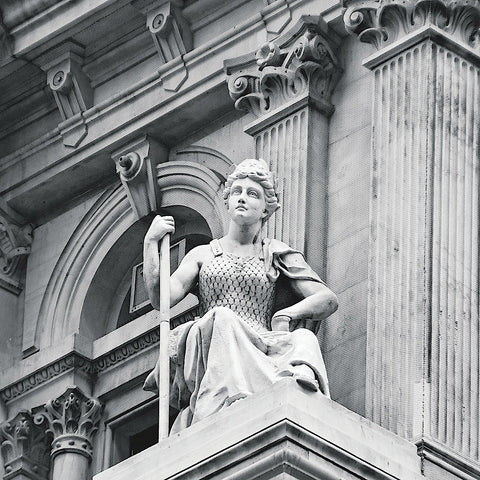 Erin Clark - City Hall Sculpture (woman) (b/w)