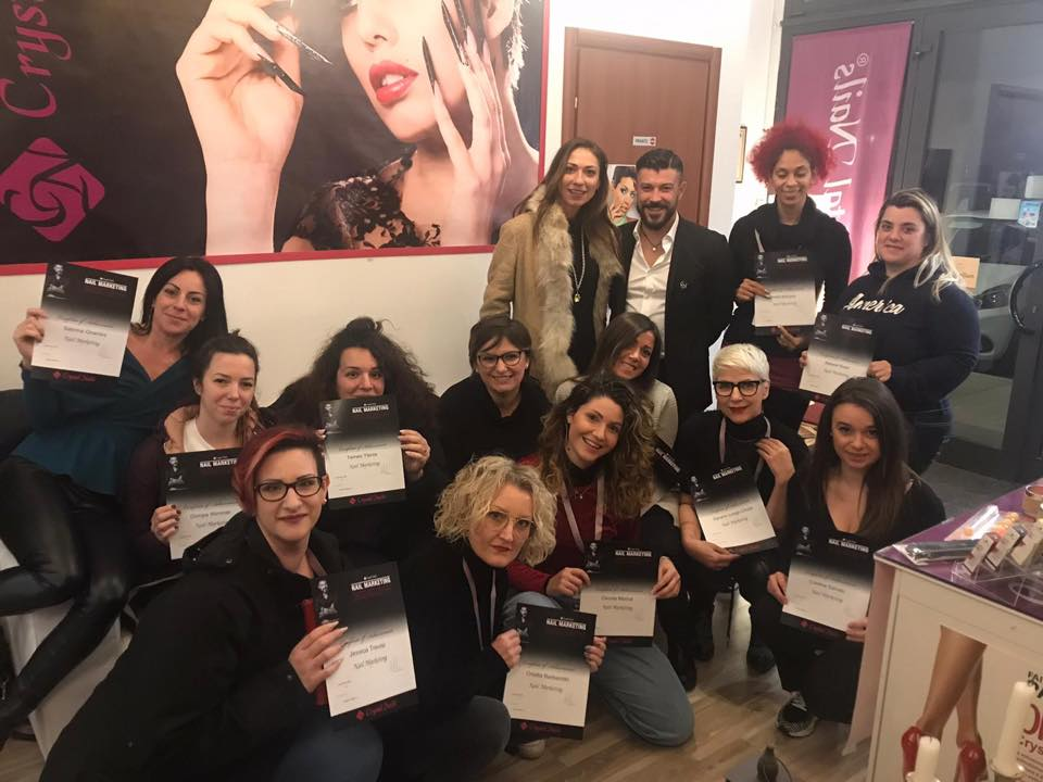 corso nail marketing crystal nails treviso