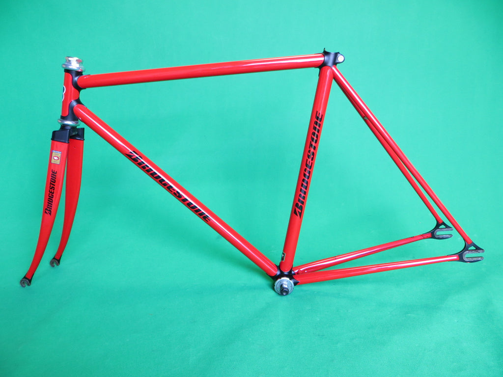 BRIDGESTONE // red / matte black lugs // COLUMBUS MAX fork // 50.5cm